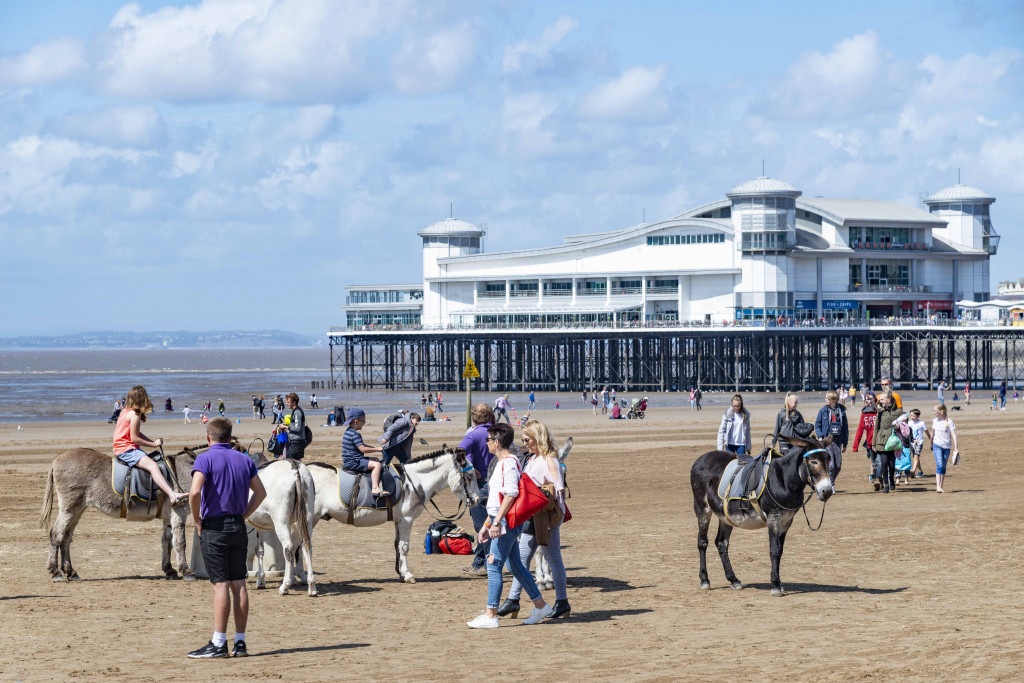 Seebäder in England: die Grand Pier in Weston-super-Mare