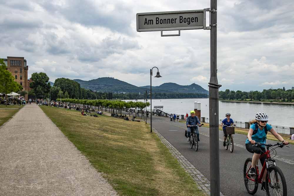 Überblick über die Promenade am Bonner Bogen