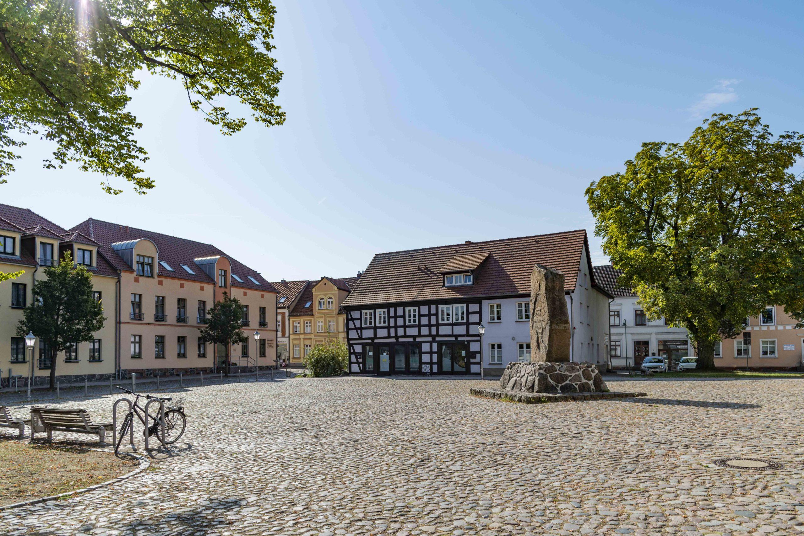 Ruhe auf dem Marktplatz von Wesenberg Woblitzsee