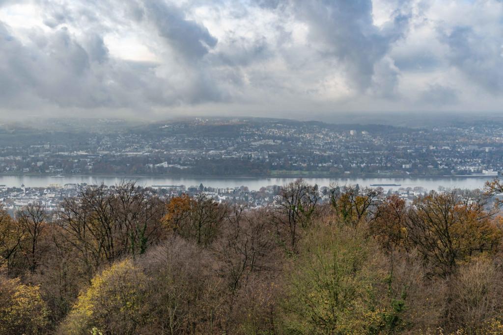 Ausblick vom Petersberg Bonn auf den Rhein