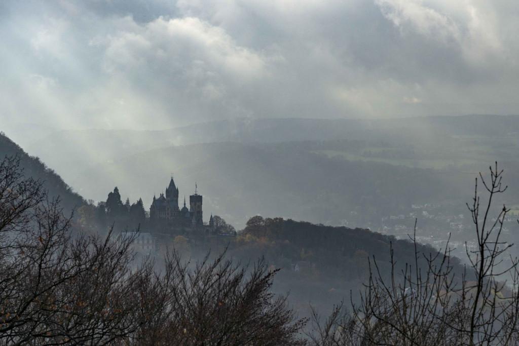Blick auf die Drachenburg