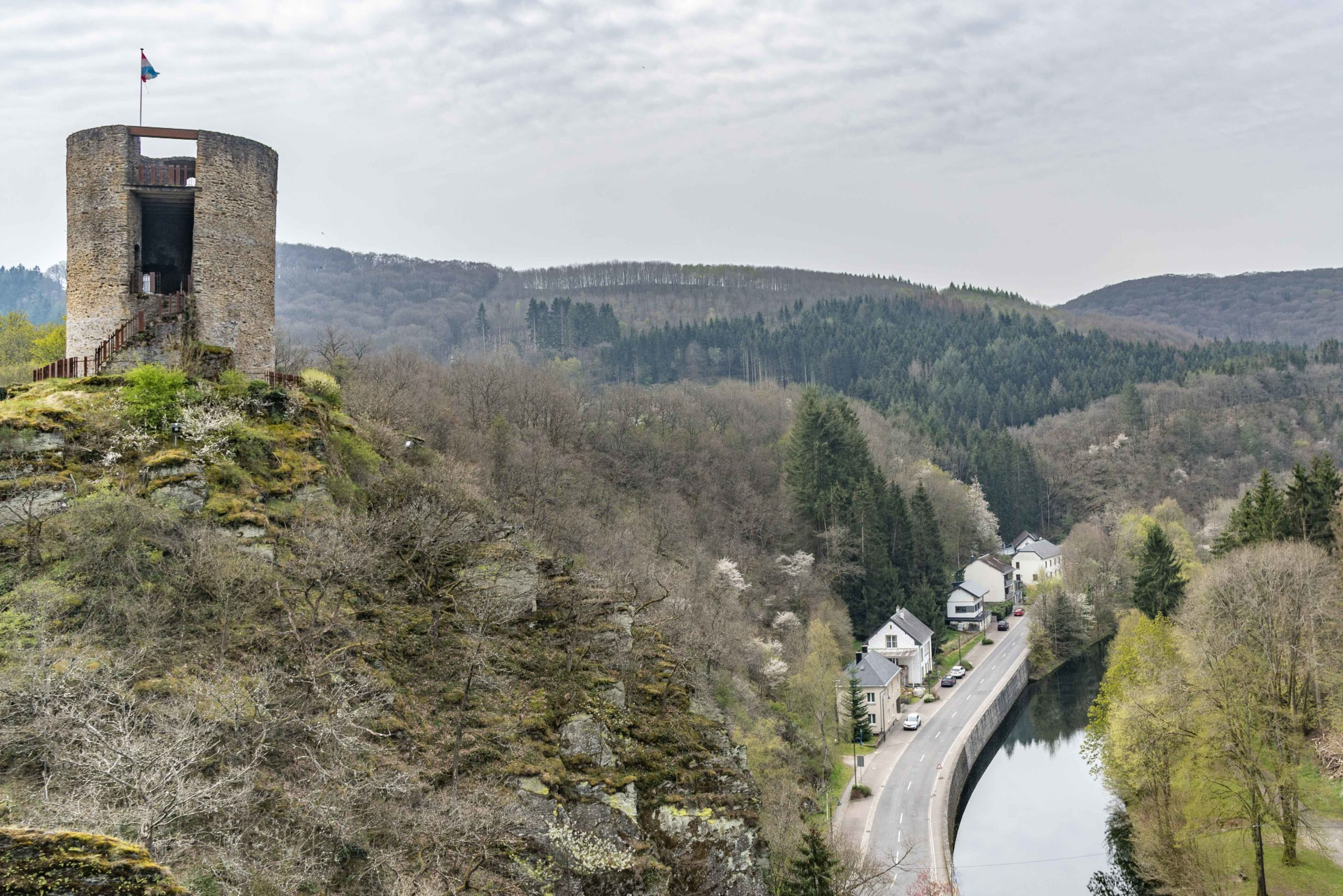 auf der Burg in Esch