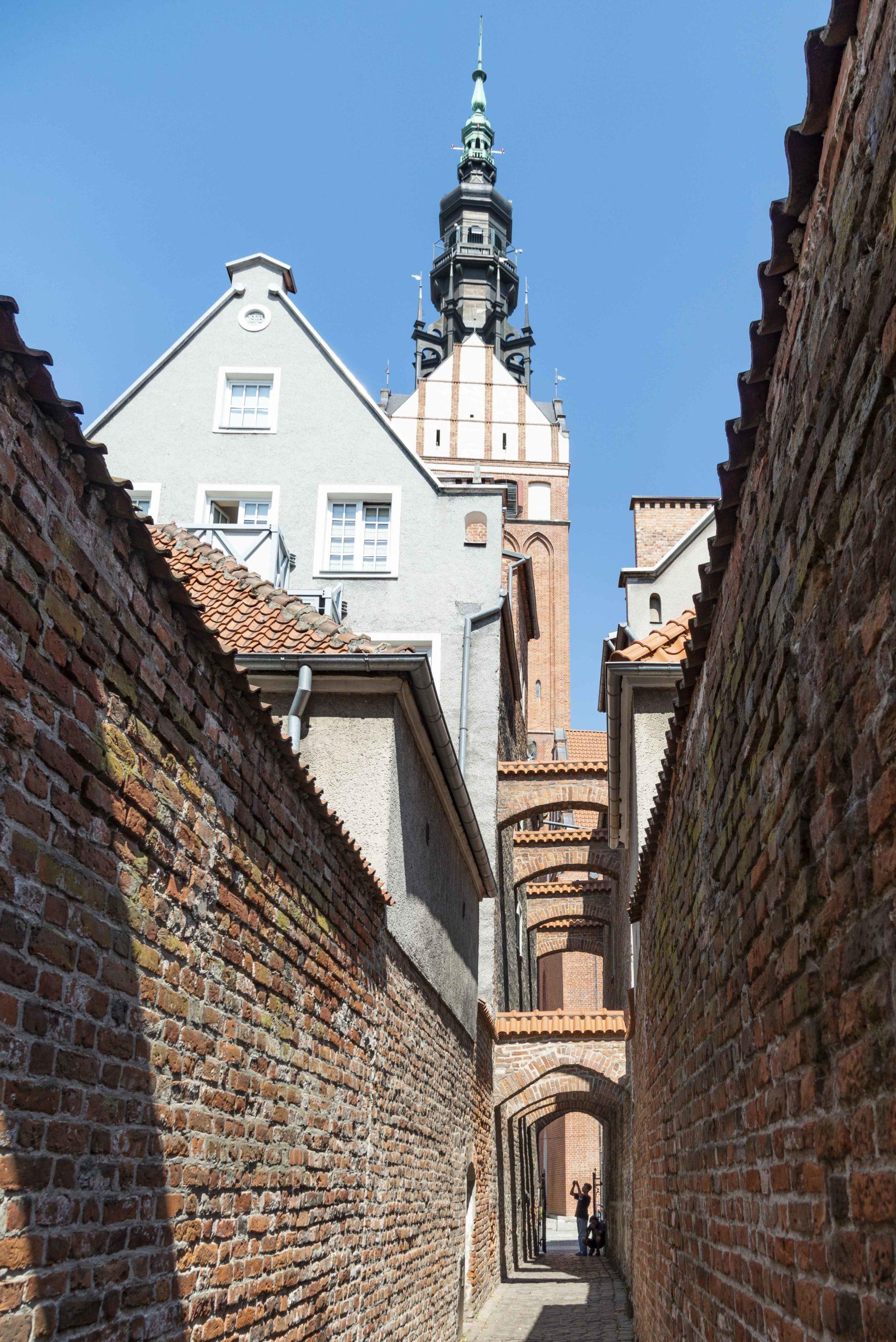 schmaler Gang in der Altstadt