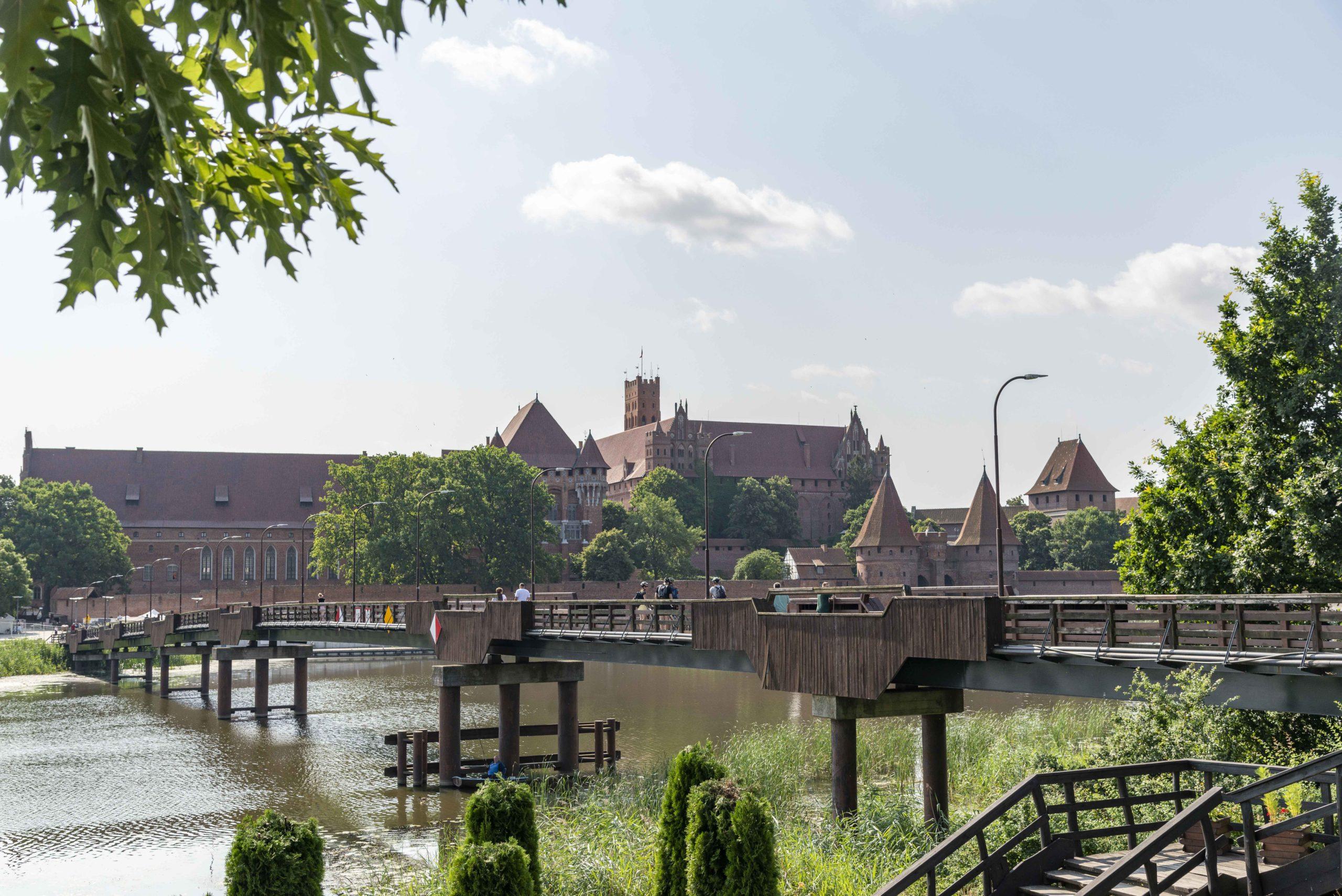 Marienburg vom anderen Flussufer